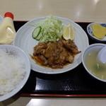 りんりん - 生姜焼定食(餃子4個付980円)