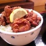 匠 - 唐揚げ丼(味噌汁つき):500円