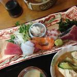 板前料理いち川 - 刺し盛り御膳 ¥1050 の刺し盛り