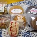 甲田菓子店 - お家に帰って並べてみた。和洋、色々あるんですね。