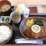 凡ライス店 - 八鹿豚とんかつ定食830円