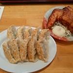 紅一点 - 焼き餃子ダブルと唐揚げ(小)