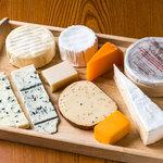 ワインカフェ - 選べるチーズ盛合せ