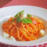ヴォーノミイナ加藤 - トマトとバジルとモッツァレラチーズのパスタ