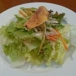 アドマーニ - ランチセットのサラダ