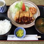 ドライブイン阿南 - 料理写真:チキンカツ定食