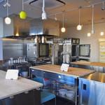 ダーシェンカ - 教室ができるキッチンスタジオ併設