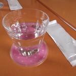sable cafe - 料理写真:可愛いコースターで、お水が出されました。