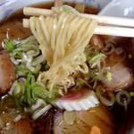 中華そば あきん亭 - ぷりぷりストレート麺