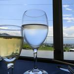 41310815 - ノンアルコールの食前ワイン&お冷