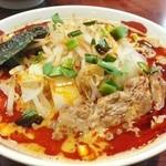 41313339 - コク辛そば。四川風でありながら、和食のテーストも採り入れ、芝麻醤のコクとザーサイの香りが後を引く美味しさ。