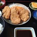 41315011 - 今日のランチ(ひれかつ2枚、チキンカツ)(1,010円)