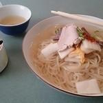 41315837 - 冷麺大盛800円