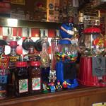 41317028 - 店内のアメリカなおもちゃ