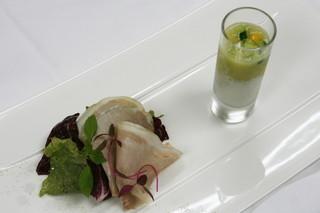 ミチノ・ル・トゥールビヨン - 自家製ハムのサラダとヨーグルトとメロンの冷製スープ