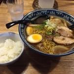 らーめん たけ蔵 - 醤油ラーメン780円