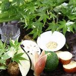 柚子屋旅館 - 京野菜を美味しく食べることができます。