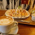 カフェ エストレア - ワッフルランチ&カプチーノ セット