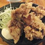 爺爺 - 鶏から揚げ3個300円以後1個50円、6個で450円(2015.8.22)
