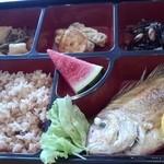 しおさい能島 - 料理写真:武吉御膳(900円)に炊込みご飯(タコ飯:200円加算)を選択しました