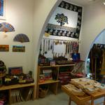 アフリカ雑貨&カフェギャラリーバオバブの木 - 店内