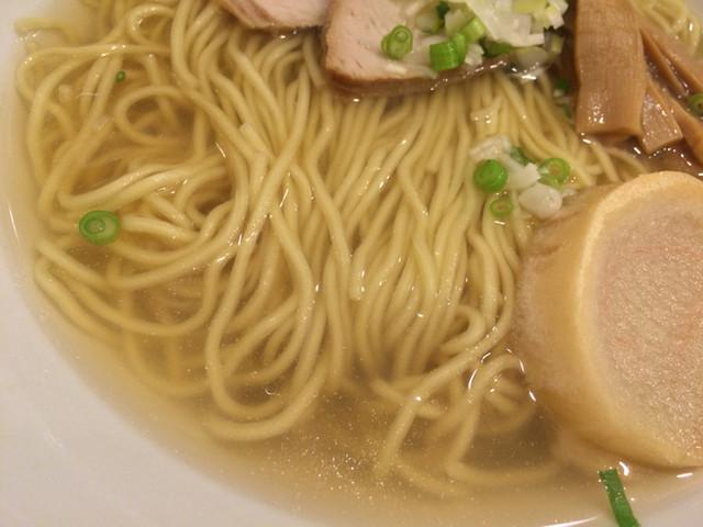 函館塩ラーメン 五稜郭 - 出口製麺の麺