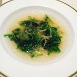 41332385 - 豆苗と冬瓜、干し貝柱のスープ煮。上湯がおいしかったけど豆苗がクタクタなのが残念。