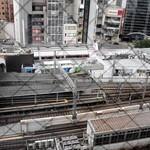 41333497 - 窓からは三ノ宮駅を見下ろせます