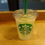 スターバックスコーヒー - リフレッシャーズ® ビバレッジ クール ライム:388円 (2015/8)