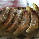 韮菜万頭 - 大餃子、アップ。