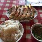 韮菜万頭 - 大餃子定食。