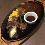 いわたき - 料理写真:肉の日祭『カットステーキ&国産牛ハンバーグ』(1,500円+税)2015年8月