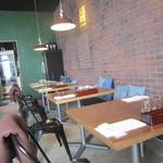 野菜とワインの食堂 スナッピィー - 店内の様子