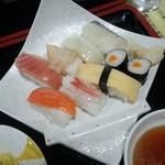 41346255 - セットの寿司