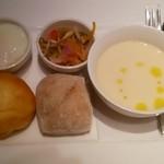 ユデロ 191フロム アル・ケッチァーノ - 「モーニングセット」¥750 スープはかぶのポタージュ。