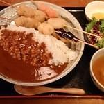 41349118 - 串かつ屋さんのカツカレー定食(680円)