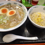 日高屋 - 肉そばと半炒飯のセット(790円)