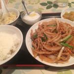 Chuugokushusaikourai - 豚肉と玉葱の細切炒めランチ 780円