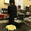 京 - 料理写真:大きな生地をド~ンと置いて・・・