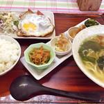 とん吉食堂 - 選べる定食(沖縄そば・ポーク玉子)
