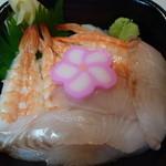 おはな丼丸 - 真鯛寿司海老丼540円