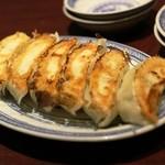 葉牡丹 - 餃子 400円ですよ!