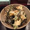 Mendokoroakasaka - 料理写真:ぶっかけうどん(かき揚げ天付) 617円