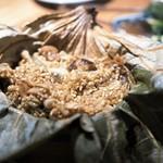 黒猫夜 - 寧波風穴子の蒲焼と麦の蓮葉蒸し