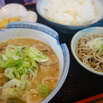 そば八 - 料理写真:もつ煮込み定食(¥880税込み)蕎麦付きます