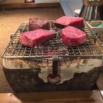 炭焼厨房みつわ - 一番最初に出てくる「いい肉」