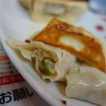 香蘭 - 焼き餃子、香蘭さんは肉が多い、そしてあぶら多め