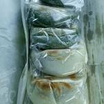 南峰堂本舗 - 焼き餅(白もち、草もち)1個120円