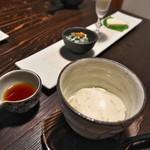 田舎 - 手前:自家製豆腐、 奥:春菊の白和え金山寺みそ 豆乳 山葵チーズ豆腐