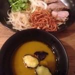 カリガリ - 幻のグリーンカレーつけ麺